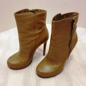 BNWOB. Aldo Leather Ankle Boots. Size 6.5 M
